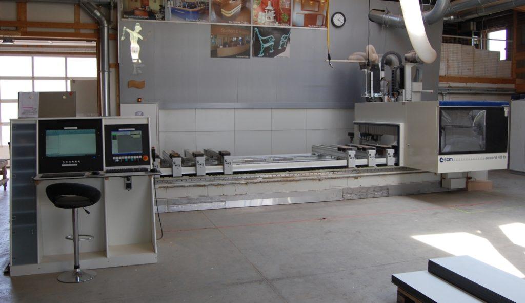 Zum 5 Achs CNC Fräsen nutzen wir unser modernes 5 Achs CNC Bearbeitungszentrum