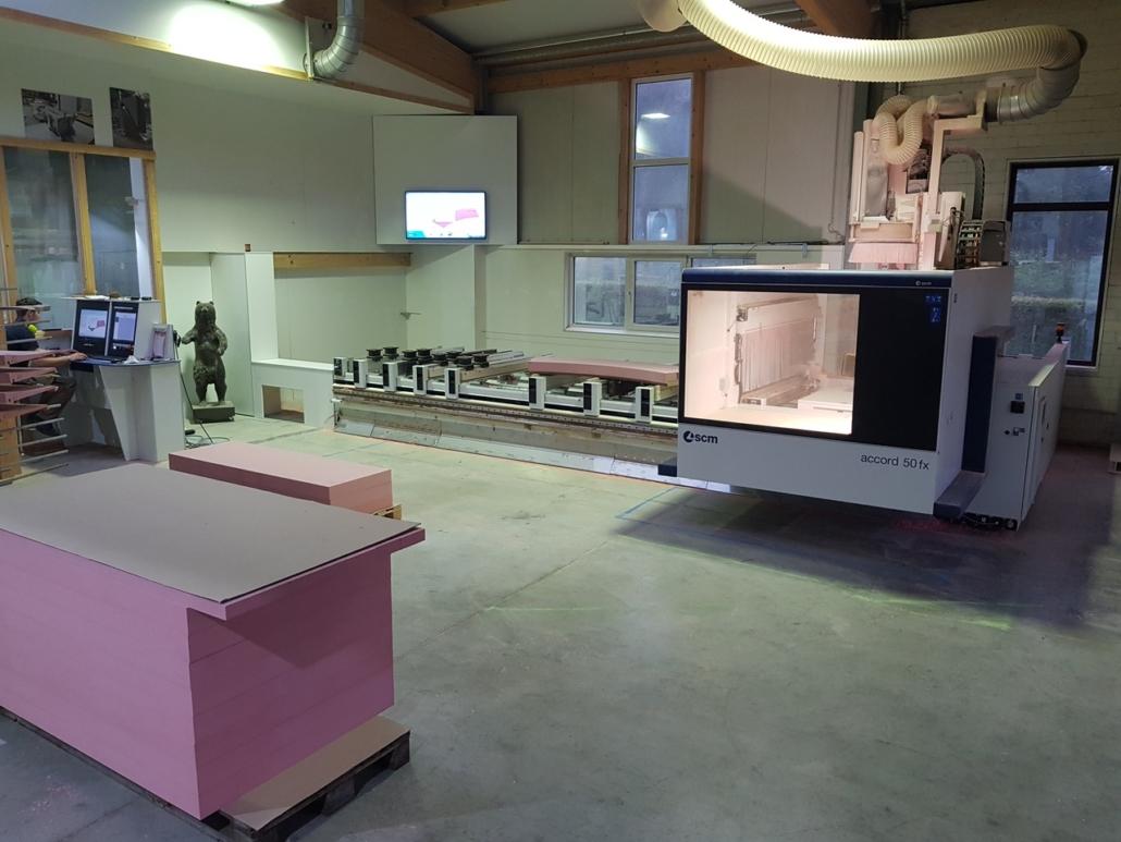 Eines unser drei 5 Achs CNC Bearbeitungszentren